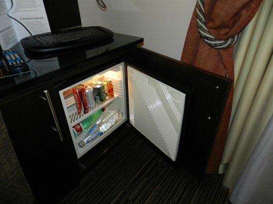 BEST WESTERN Hotel Universo: frigobar