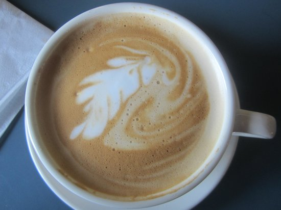 Glas the Green Coffeehouse: Perfect latte!