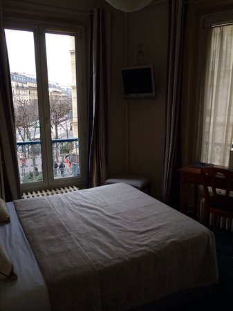 Grand Hotel des Gobelins: Room 25 small but great