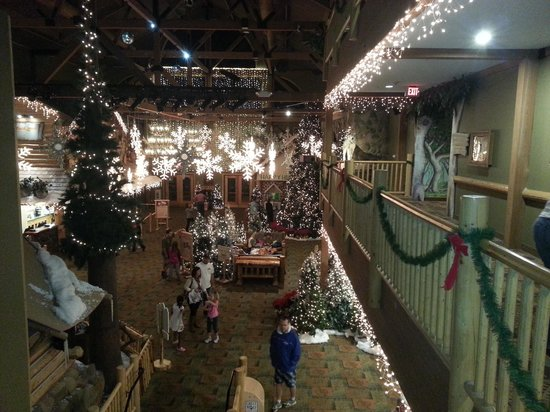 Great Wolf Lodge: Lobby from 3rd floor