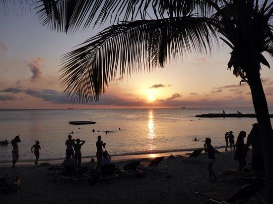 Blue Bay Curacao : Blauw Baai, zonsondergang