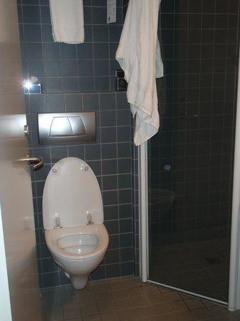 Hotel Reykjavik Centrum: From the bathroom door