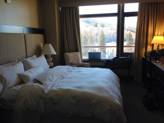 Westin Riverfront Resort & Spa: Nice mountain view from bedroom