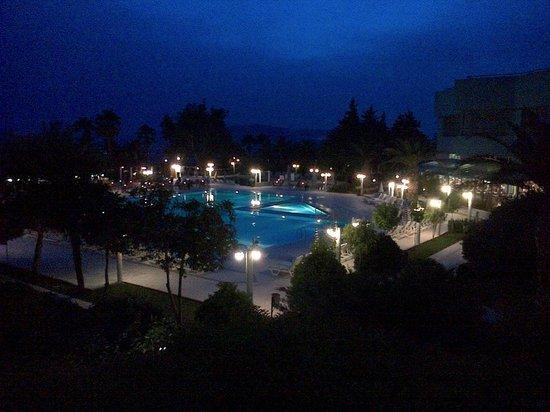 Royal Palace : beautiful at night