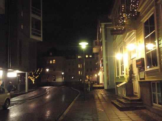 Hotel Reykjavik Centrum: Downtown Reykjavik outside hotel