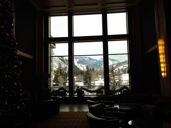 Westin Riverfront Resort & Spa Avon, Vail Valley: View from the main lobby