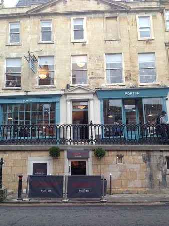 Circo Bar and Lounge: The Porter exterior on George Street