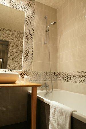 Hôtel Régina : Salle de bains