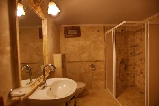 Maron Stone House: Bathroom
