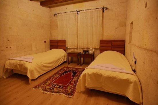 Maron Stone House: Bedroom