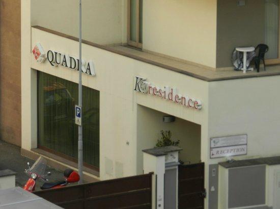 Quadra Key Residence : vista desde el balcón (hacia la izquierda)