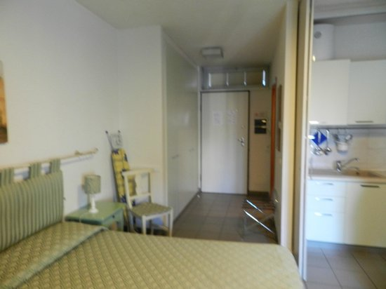 Quadra Key Residence : vista de l pasillo de entrada hacia el interior