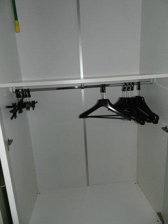 Quadra Key Residence : interior de placares