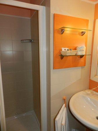 Quadra Key Residence: Baño