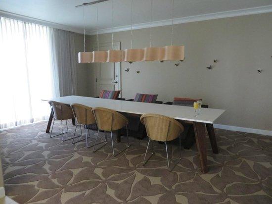 Hyatt Regency Coconut Point Resort & Spa : Large dining room table