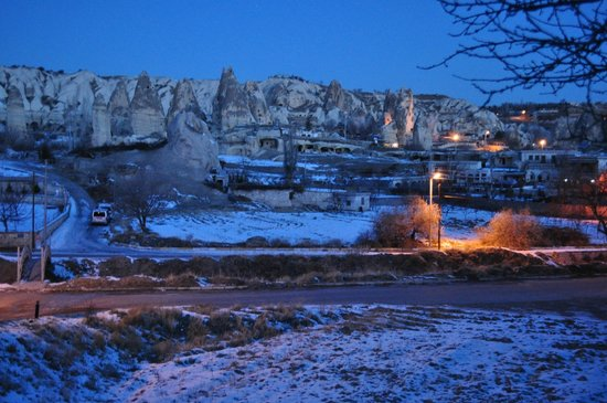 SOS Cave Hotel: Early morning view from the hotel
