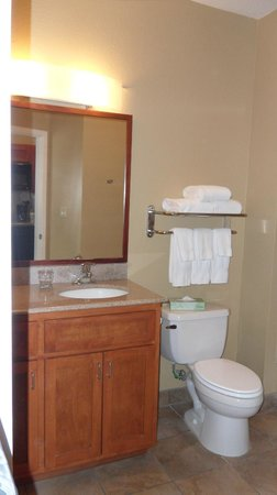 Candlewood Suites San Antonio Downtown : Room #209 - Bathroom