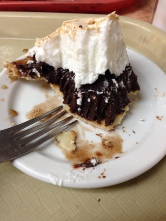Arnold's Country Kitchen : Best chocolate meringue pie you can eat! Arnold's in Nashville.