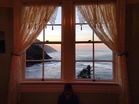 Heceta Head Lighthouse Bed and Breakfast: view from the Mariner 1 room