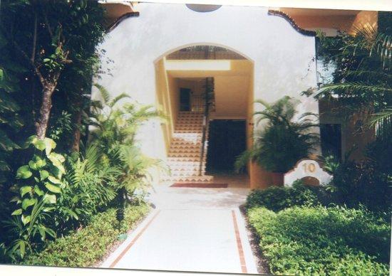Occidental Grand Cozumel: Room entrance (Building 10)