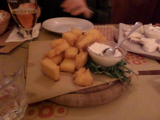 Osteria Boccabuona: Polenta fritta con lo squacquerone