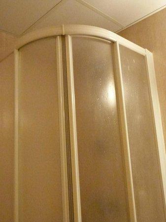 Hostal Josefina: banheiro