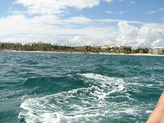 Now Sapphire Riviera Cancun : view from a boat