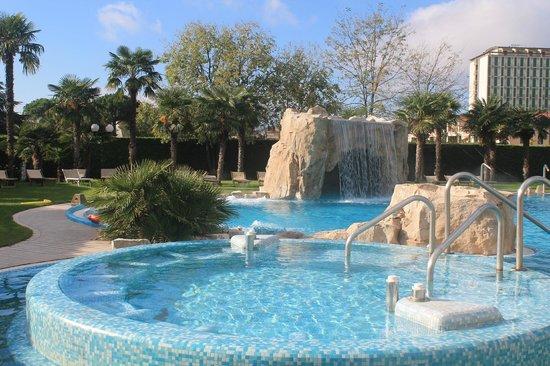 Hotel All'Alba: Открытый бассейн, вернее, его, наверное, шестая часть)))
