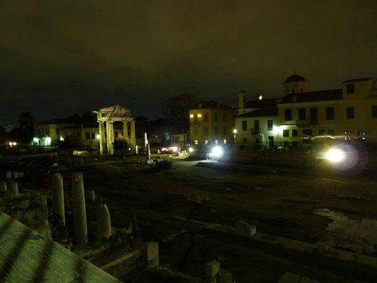 Roman Agora: at night