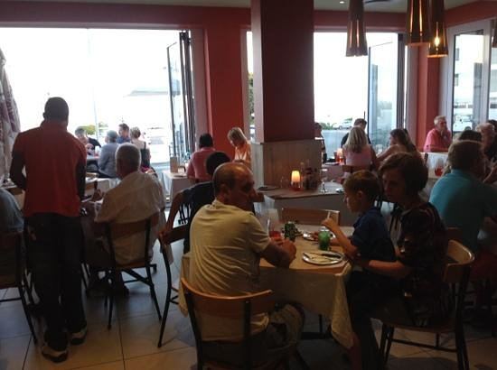 Col'Cacchio : overlooking the bay in Hermanus