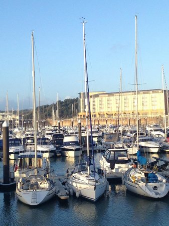 Radisson Blu Waterfront Hotel, Jersey: View of the hotel from the marina
