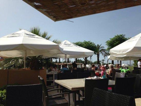 Blue Waters Club: Terrasse du buffet principal