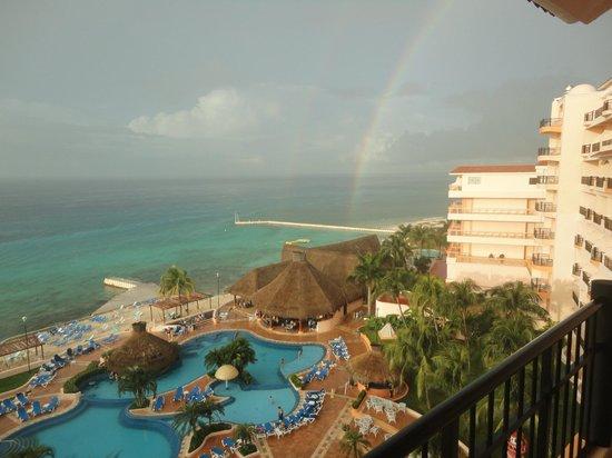 El Cozumeleno Beach Resort: Rainbow during sun shower