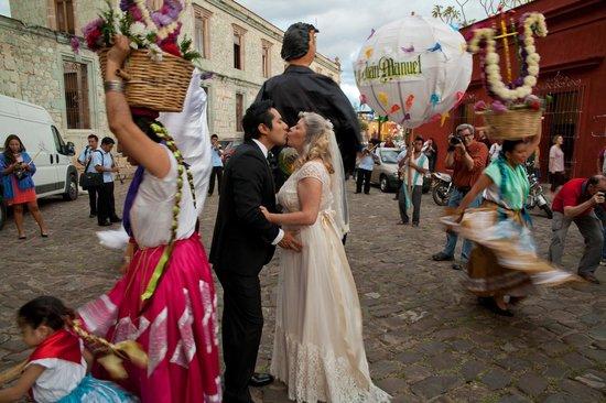 Casa Oaxaca: Street parade