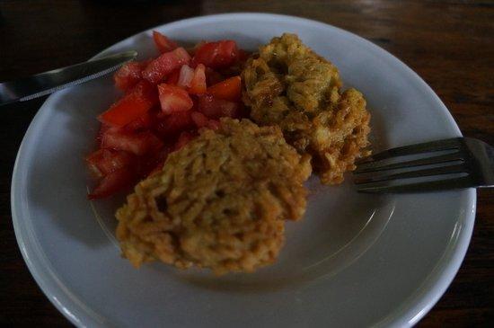 La Mariposa Spanish School and Eco Hotel : Breakfast - Rice patty and tomato