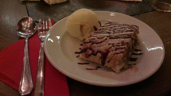 La Collina Hotel & Spa : I love the homemade apple strudel