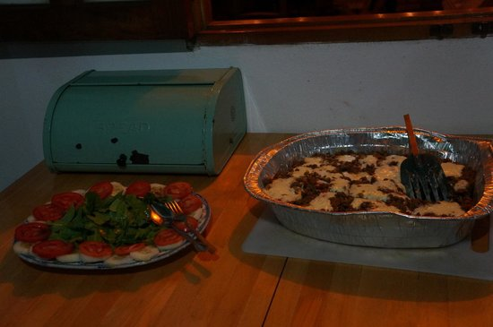 La Mariposa Spanish School and Eco Hotel : Dinner - Letil cheese tray with salad