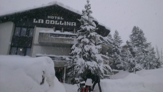 Hotel La Collina : Hotel front covered in snow!
