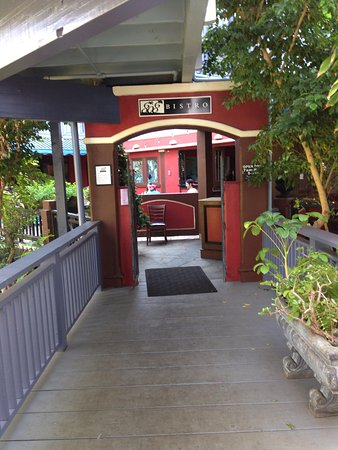 entrance to 808 bistro