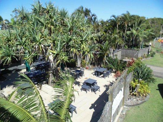 Quality Hotel Ballina Beach Resort Pand Courtyard