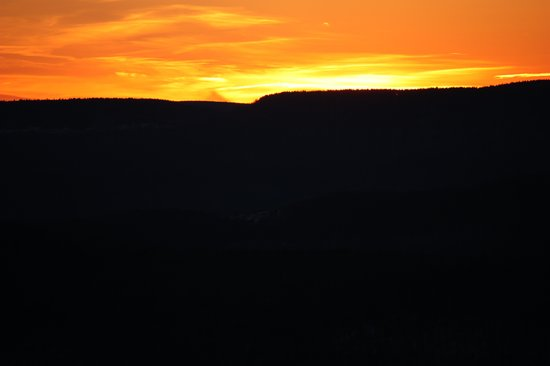Rimfire Lodge Condos : sunset from balcony
