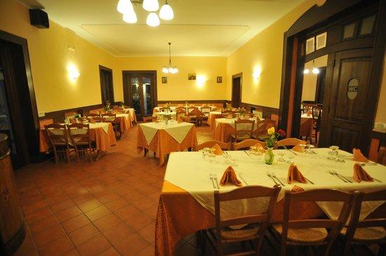 Agriturismo San Raphael : Sala ristorazione rinnovata con nuova saletta annessa