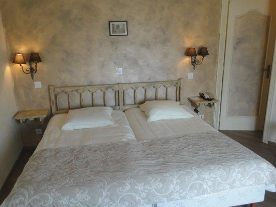 Chambre hotel planes deux lits jumeaux