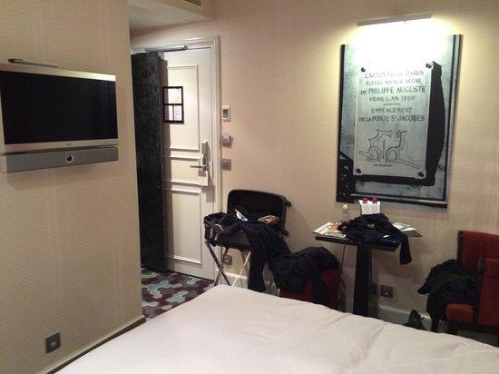 Hotel le Petit Paris: room