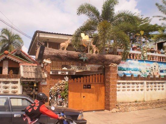 Three j guesthouse: vue extérieure