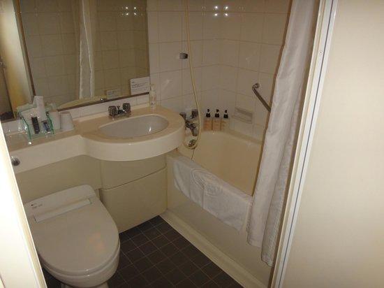 Hotel Villa Fontaine Ueno: baño