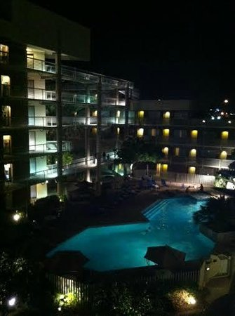 DoubleTree Suites by Hilton Hotel Phoenix: Pool area