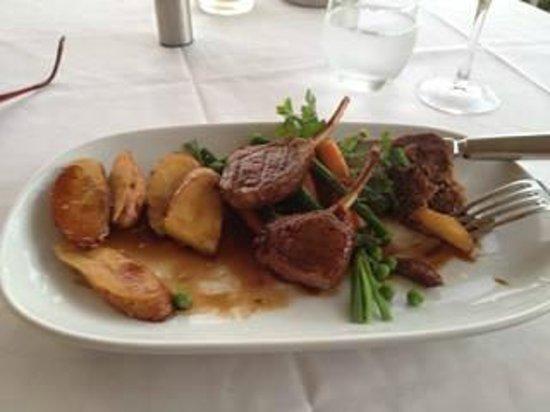 Kirkton Park Hotel Hunter Valley: Dinner - Lamb Duo