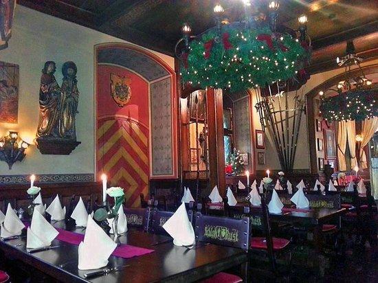 Schloss Balthasar : la salle au moment de Noel