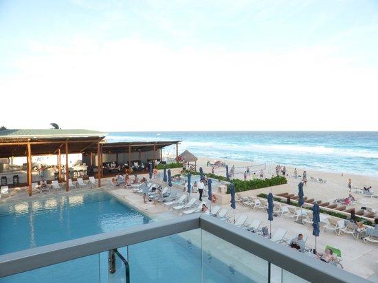 Secrets The Vine Cancun: beach and pool view